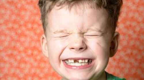 what-to-do-when-a-child-loses-baby-tooth-too-soon